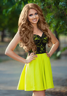 Kind lady Tat'yana from Odessa (Ukraine), 22 yo, hair color brown