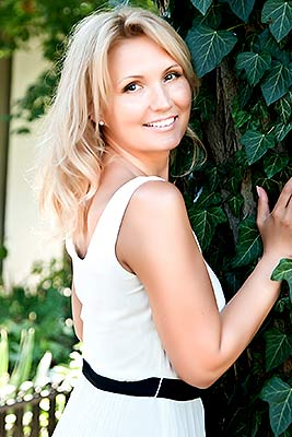 Versatile bride Irina from Odessa (Ukraine), 41 yo, hair color blonde