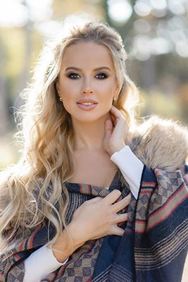 Happy lady Inessa from Odessa (Ukraine), 38 yo, hair color blonde