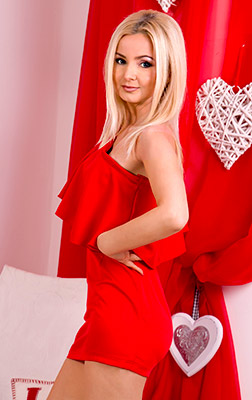 Hottempered lady Natal'ya from Odessa (Ukraine), 43 yo, hair color blonde