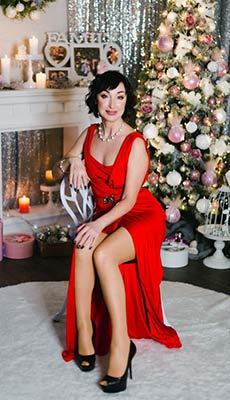 Eventempered woman Elena from Chernomorsk (Ukraine), 47 yo, hair color brunette