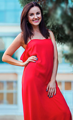 Curious bride Elena from Odessa (Ukraine), 32 yo, hair color dark brown