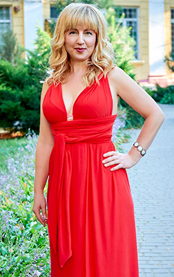 Nice bride Viktoriya from Odessa (Ukraine), 51 yo, hair color blonde