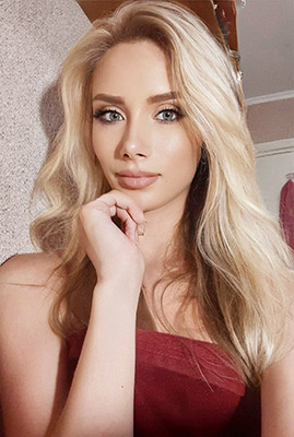 Open bride Tat'yana from Odessa (Ukraine), 21 yo, hair color blonde