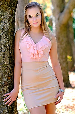Sociable lady Violetta from Odessa (Ukraine), 29 yo, hair color brown