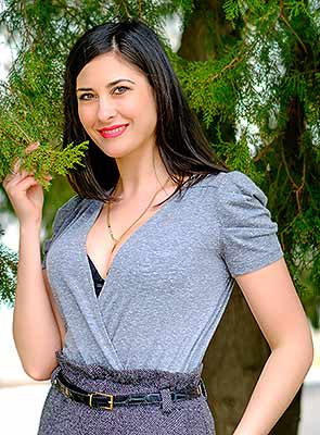 Faithful lady Inna from Odessa (Ukraine), 29 yo, hair color black