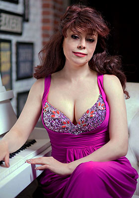 Reasonable woman Irina from Yuzhnoukrainsk (Ukraine), 45 yo, hair color chestnut