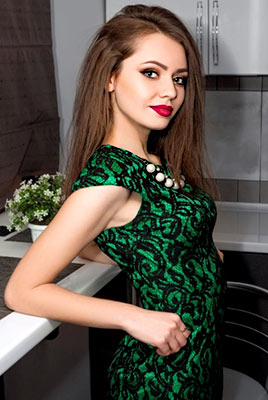 Gentle bride Angelina from Odessa (Ukraine), 21 yo, hair color brown