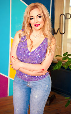 Amiable lady Kristina from Odessa (Ukraine), 37 yo, hair color blonde