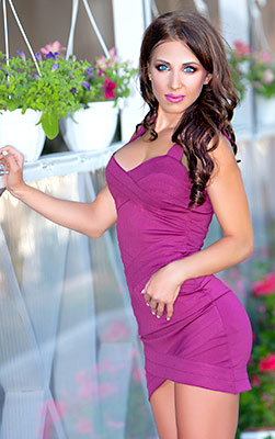 Fond lady Darina from Odessa (Ukraine), 24 yo, hair color chestnut