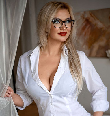 Kind lady Alina from Odessa (Ukraine), 35 yo, hair color blonde