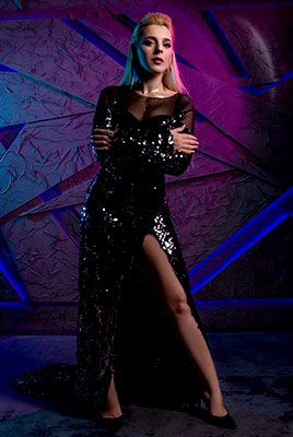 Beautiful woman Alena from Odessa (Ukraine), 31 yo, hair color blonde