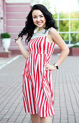 Interested girl Anjelika from Odessa (Ukraine), 22 yo, hair color chestnut