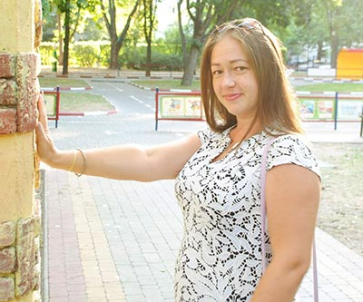 Open woman Elena from Odessa (Ukraine), 35 yo, hair color brown