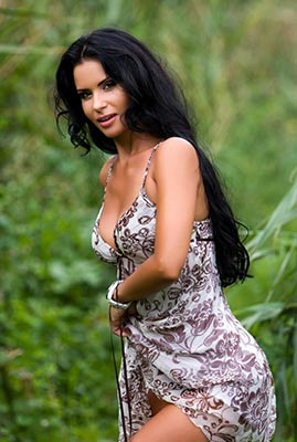 Active woman Alla from Odessa (Ukraine), 40 yo, hair color black