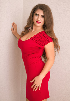 Fond wife Elena from Odessa (Ukraine), 26 yo, hair color brown-haired