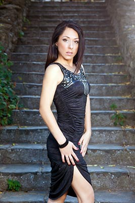 Energetic woman Irina from Odessa (Ukraine), 48 yo, hair color brunette