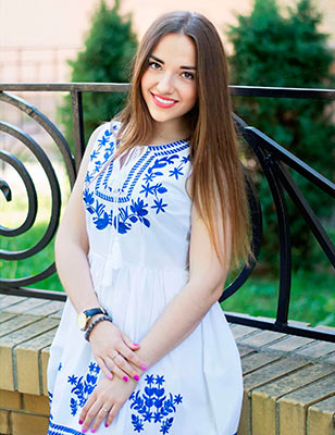 Extremely bride Anna from Poltava (Ukraine), 30 yo, hair color brown-haired