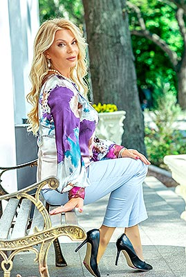 Clever lady Svetlana from Odessa (Ukraine), 54 yo, hair color blonde