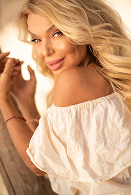 Clever lady Svetlana from Odessa (Ukraine), 55 yo, hair color blonde