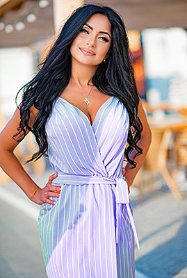 Romantic lady Anjelika from Odessa (Ukraine), 38 yo, hair color black