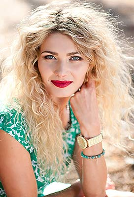 Sociable bride Ilona from Poltava (Ukraine), 32 yo, hair color blonde