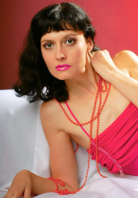 Christian woman Svetlana from Poltava (Ukraine), 46 yo, hair color black