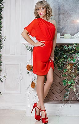 Attentive woman Natal'ya from Poltava (Ukraine), 42 yo, hair color blonde