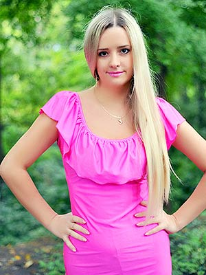 Active bride Oksana from Poltava (Ukraine), 32 yo, hair color blonde
