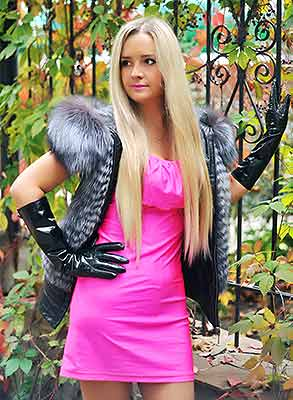 Active bride Oksana from Poltava (Ukraine), 33 yo, hair color blonde