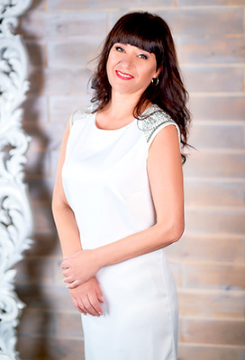 Energetic woman Oksana from Kharkov (Ukraine), 50 yo, hair color brown-haired