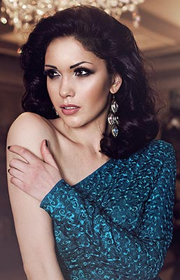 Happy woman Nataliya from Yaroslavl (Russia), 29 yo, hair color black