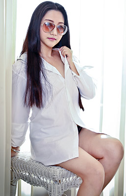 Independent lady Ping from Shaoguan (China), 33 yo, hair color black