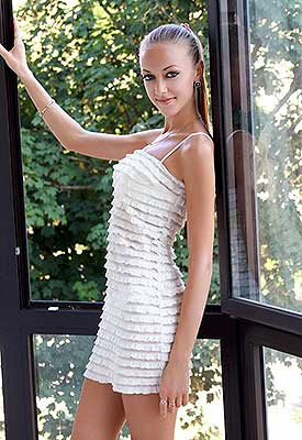 Agreeable lady Elena from Simferopol (Russia), 32 yo, hair color dark brown