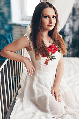 Modern lady Anna from Simferopol (Russia), 22 yo, hair color brown