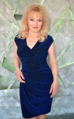 Industrious woman Svetlana from Saki (Russia), 55 yo, hair color blonde