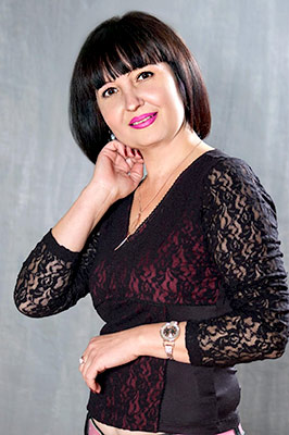 Tender woman Nelya from Starobelsk (Ukraine), 48 yo, hair color black