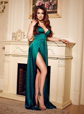 Delicate bride Dar'ya from Kiev (Ukraine), 30 yo, hair color dark brown