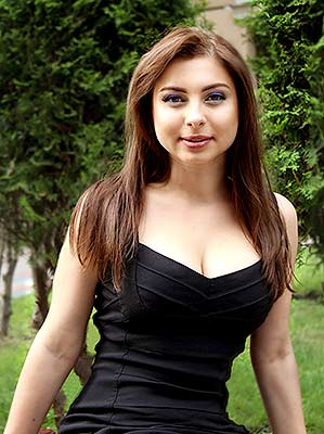 Thrifty lady Yuliya from Sumy (Ukraine), 33 yo, hair color dark brown