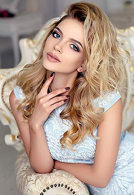 Wellread lady Irina from Ternopol (Ukraine), 25 yo, hair color blonde