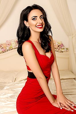 Modest lady Nataliya from Ternopol (Ukraine), 28 yo, hair color brunette