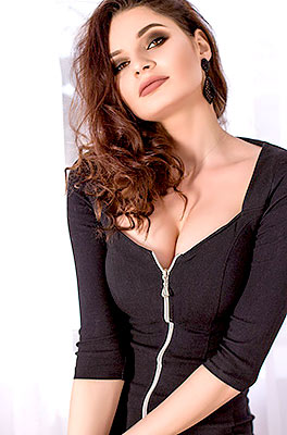 Capricious woman Anna from Kiev (Ukraine), 28 yo, hair color brown-haired