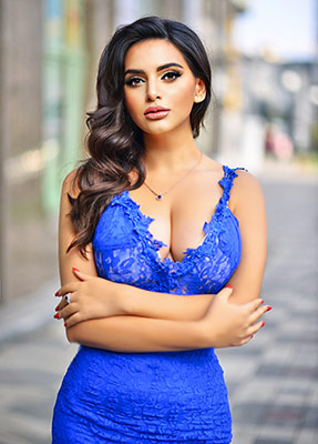 Decent woman Anna from Kiev (Ukraine), 29 yo, hair color black