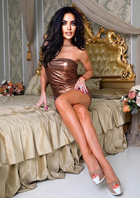 Adventurous bride Elena from Kiev (Ukraine), 33 yo, hair color black