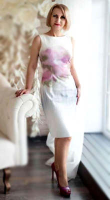 Accurate woman Lyudmila from Vinnitsa (Ukraine), 56 yo, hair color blonde