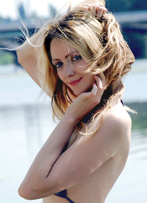 Leader bride Diana from Vinnitsa (Ukraine), 44 yo, hair color blonde