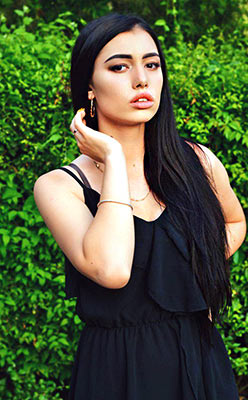 Christian lady Tat'yana from Berdyansk (Ukraine), 19 yo, hair color chestnut