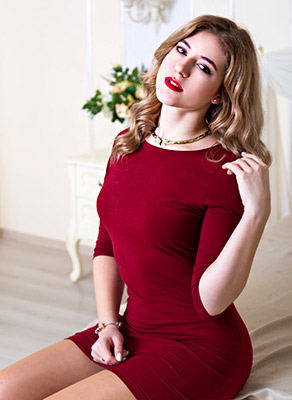 Happy lady Alena from Zaporozhye (Ukraine), 22 yo, hair color brown