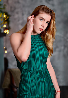 Friendly girl Diana from Zaporozhye (Ukraine), 19 yo, hair color blonde