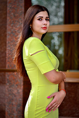Family oriented bride Mariya from Zaporozhye (Ukraine), 20 yo, hair color brown-haired